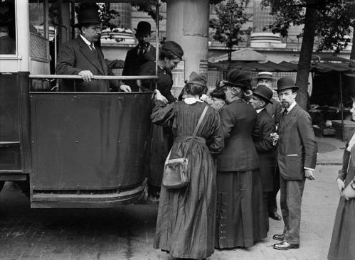 BUS AVEC PLATE FORME 1911